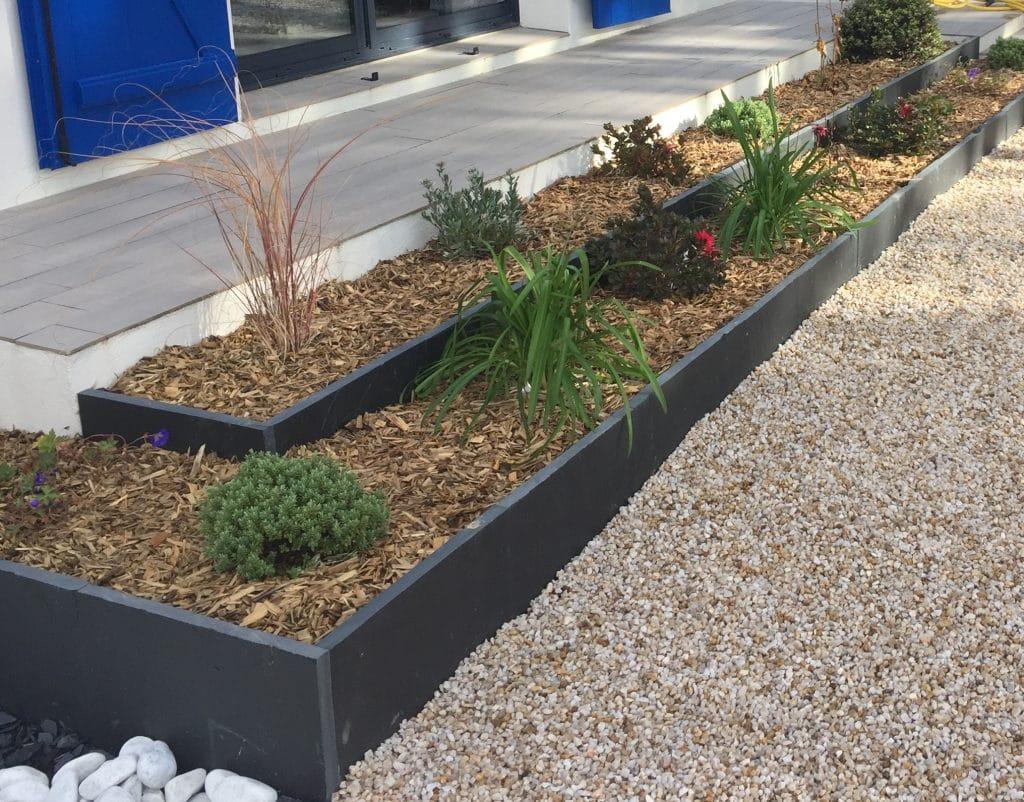 Plantations gazons vent des jardins for Plantation de jardin